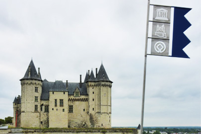 Loire Bed and Breakfast BB chateau castle chateau Saumur France chambre d'hotes