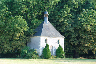 Chapel Loire B&B chateau La Mothaye Bed and Breakfast